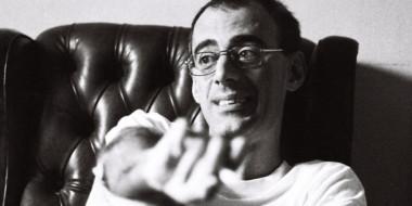 Obras literárias sobre o universo LGBTQIA+. Prêmio Caio Fernando Abreu com inscrições abertas